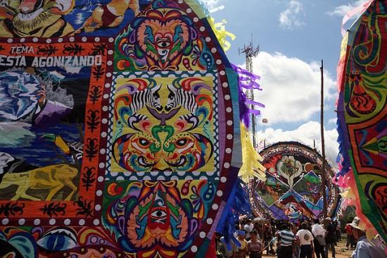 Guatemala-kite-festival2-550x366 2