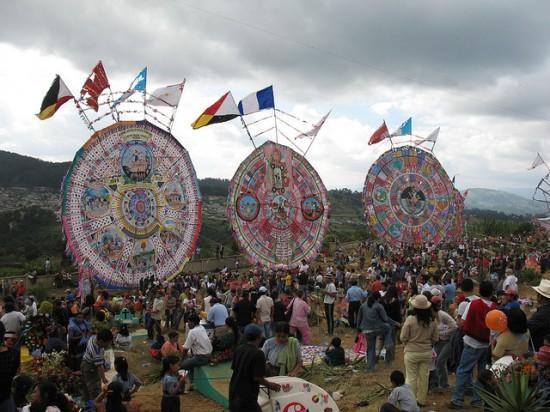 Guatemala-kite-festival4-550x412 4
