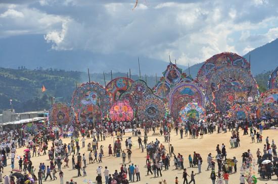 Guatemala-kite-festival6-550x365 6
